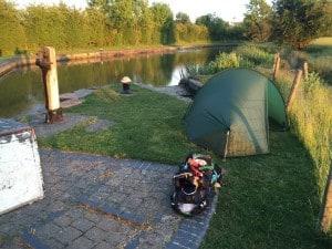 Lock camping
