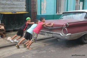 Right lads push! starting a car in Havana